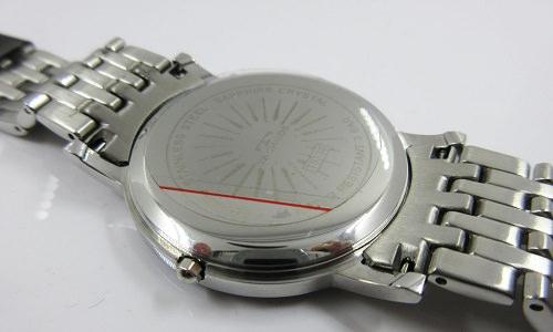 コジアケを使用するタイプの時計の写真