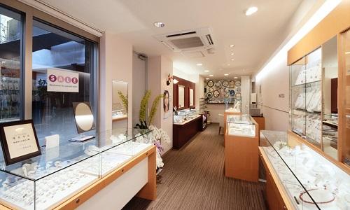稲津時計店の店内画像