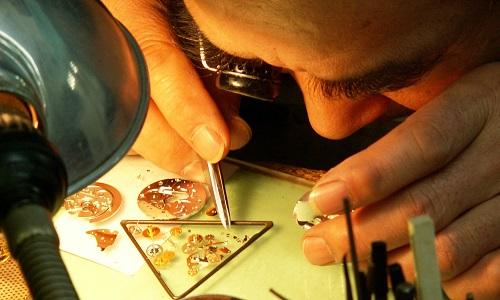 時計修理職人の画像