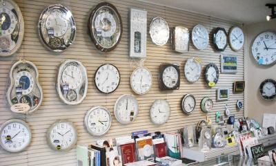諫早市にあるイノウエ時計店の掛け時計画像
