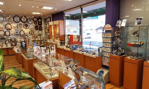 昭和堂時計店の店内画像