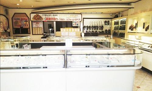 時計宝石サロンフジタの店内