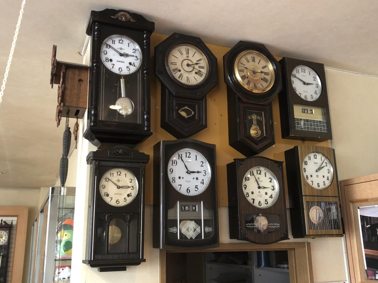 橋本時計メガネ店の店内画像