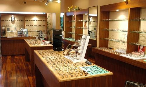 大岩時計店の店内画像2